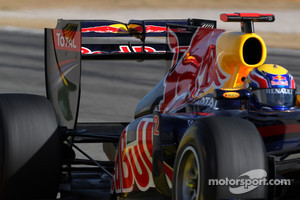 Mark Webber, Red Bull Racing, RB7 using a moveable rear wing