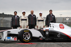 Monisha Kaltenborn, directora Sauber F1 Team, Peter Sauber, presidente de Sauber F1 Team, Sergio Pérez, Sauber F1 Team, Kamui Kobayashi, Sauber F1 Team, James Key, Director técnico, Sauber F1 Team