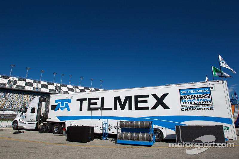 Chip Ganassi Racing with Felix Sabates transporter
