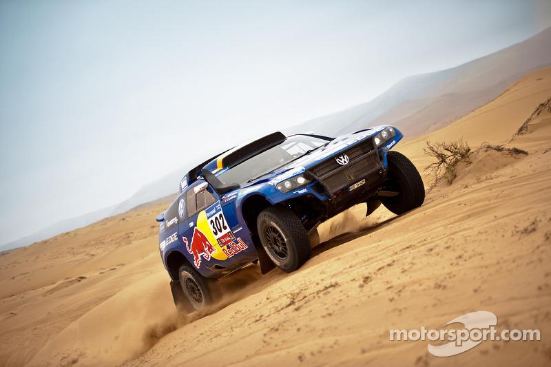 #302 Volkswagen: Nasser Al Attiyah dan Timo Gottschalk