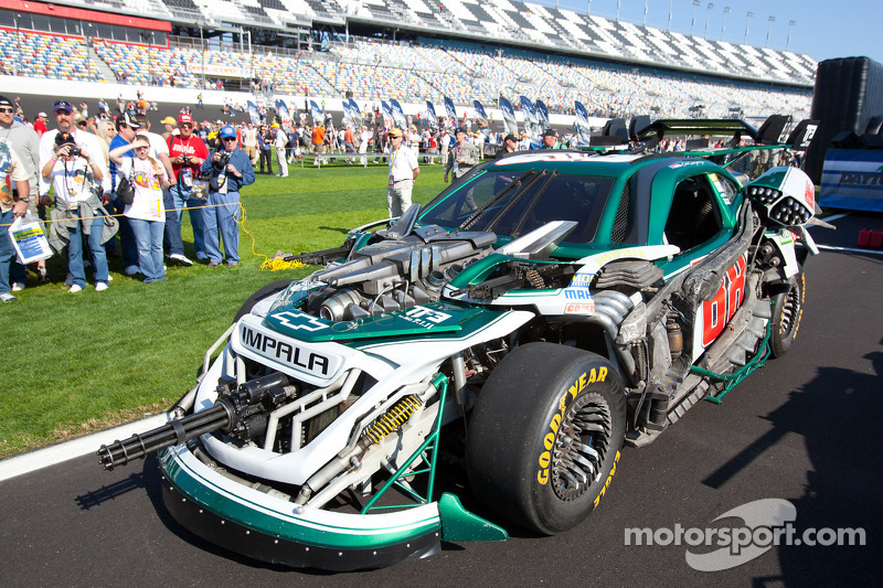 The Transformers wreckers cars at Daytona 500