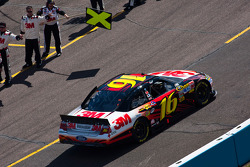 Greg Biffle, Roush Fenway Racing Ford heads to pace laps
