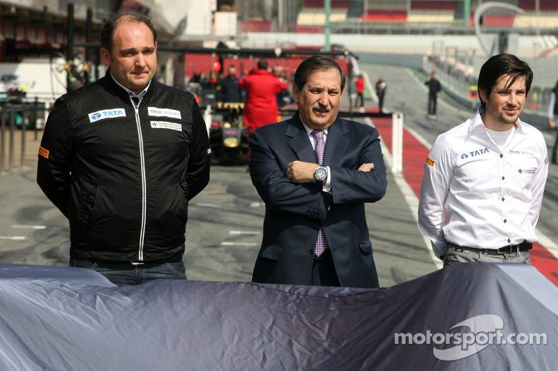 Hispania Racing F1 Team unveils the new F111, Colin Kolles, Hispania Racing Team, Team Principal, Jose Ramon Carabante Hispania Racing F1 Team, Team Owner