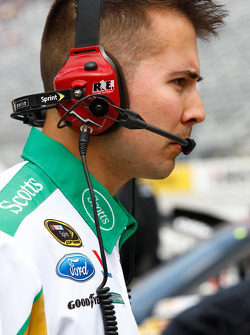 Roush Fenway Racing Ford crew member