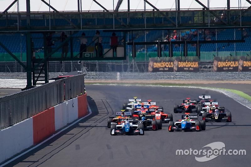 Départ : Egor Orudzhev, Arden Motorsport en tête
