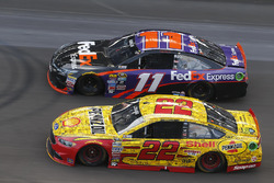 Joey Logano, Team Penske, Ford, Denny Hamlin; Joe Gibbs Racing, Toyota
