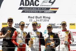 Подіум: переможець Сімо Лааксонен (Motopark), другий призер Мік Шумахер (Prema), третій призер Джозеф Моусон (Van Amersfoort) і найкращий новачок Ніклас Нільсен (Neuhauser)