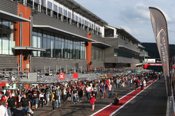 Atmosphere durante il pitwalk