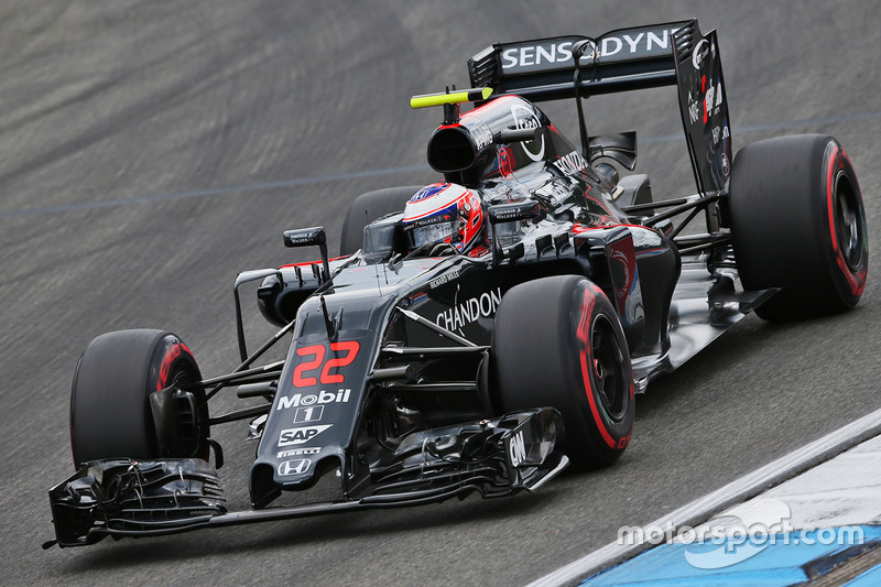 12: Jenson Button, McLaren MP4-31