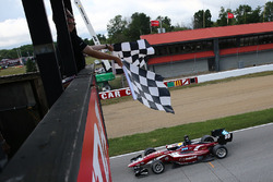 Santiago Urrutia, Schmidt Peterson Motorsports takes the checkered flag