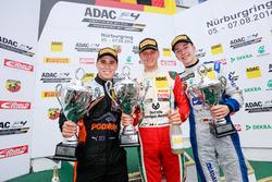 Podio: il vincitore Mick Schumacher, Prema Powerteam; 2. Joseph Mawson, Van Amersfoort Racing; 3.  Mike David Ortmann, Mücke Motorsport