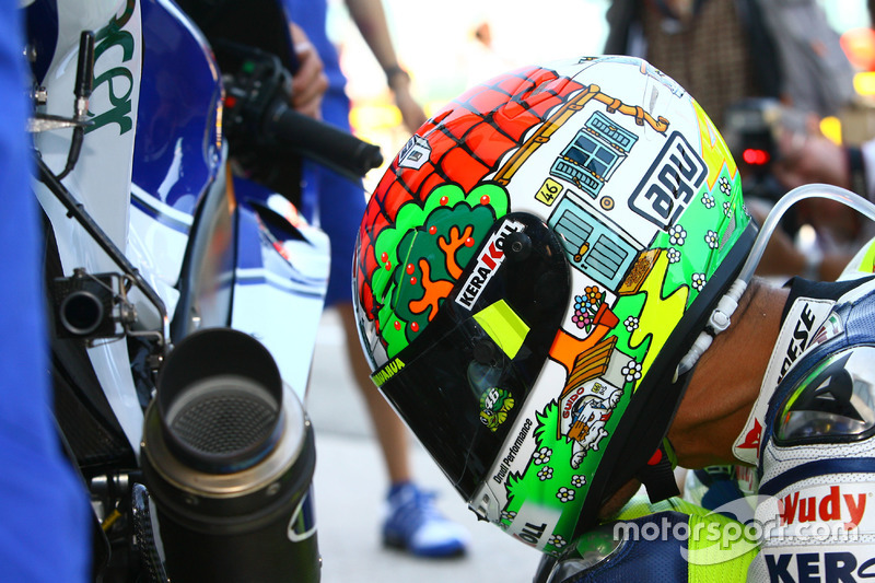 Diseño de casco especial de Valentino Rossi, Yamaha