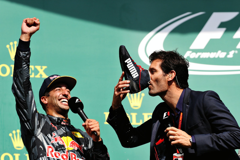 2. Podio: Daniel Ricciardo, Red Bull Racing con Mark Webber