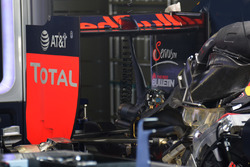 Red Bull Racing RB12, ala posteriore
