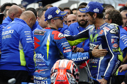 Winnaar Maverick Viñales, Team Suzuki MotoGP, derde Valentino Rossi, Yamaha Factory Racing