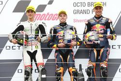 Podium: racewinnaar Brad Binder, Red Bull KTM Ajo, tweede plaats Francesco Bagnaia, Aspar Team Mahindra, derde plaats Bo Bendsneyder, Red Bull KTM Ajo