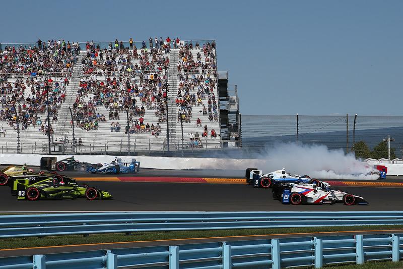 Mikhail Aleshin, Schmidt Peterson Motorsports Honda, Juan Pablo Montoya, Team Penske Chevrolet