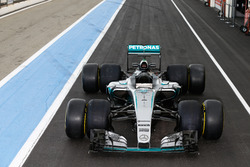 Mercedes AMG F1 W06 Hybrid with 2017 and 2016 Pirelli tyres