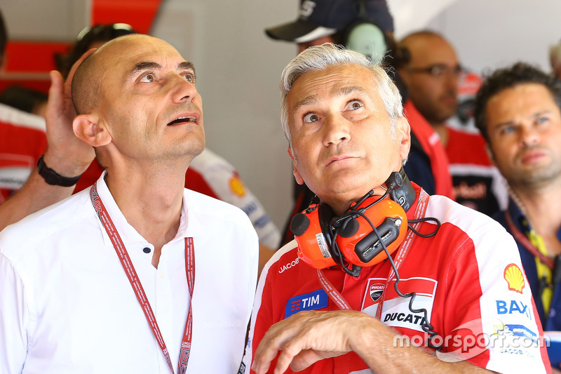 Claudio Domenicali, Director General de Ducati, Davide Tardozzi, director del equipo Ducati Team