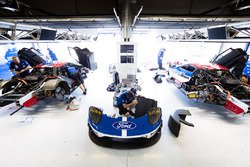 Box: Ford Chip Ganassi Racing Team, Ford GT
