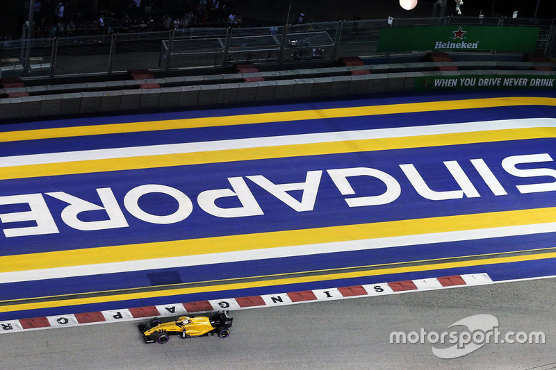 10. Kevin Magnussen, Renault Sport F1 Team RS16