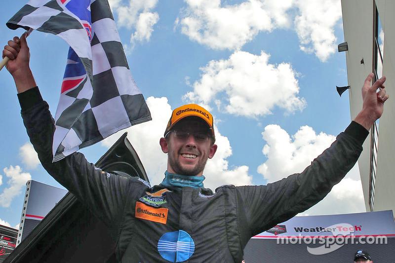 Ganador de la carrera #10 Wayne Taylor Racing Corvette DP: Jordan Taylor
