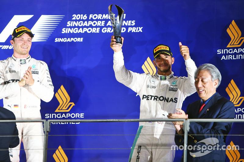 Lewis Hamilton, Mercedes AMG F1 festeggia il suo terzo posto sul podio