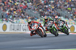 Lorenzo Savadori, IodaRacing Team; Tom Sykes, Kawasaki Racing; Jonathan Rea, Kawasaki Racing