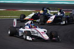 Matevos Isaakyan, Koiranen GP leads Konstantin Tereschenko, Campos Racing and Alex Palou, Campos Racing