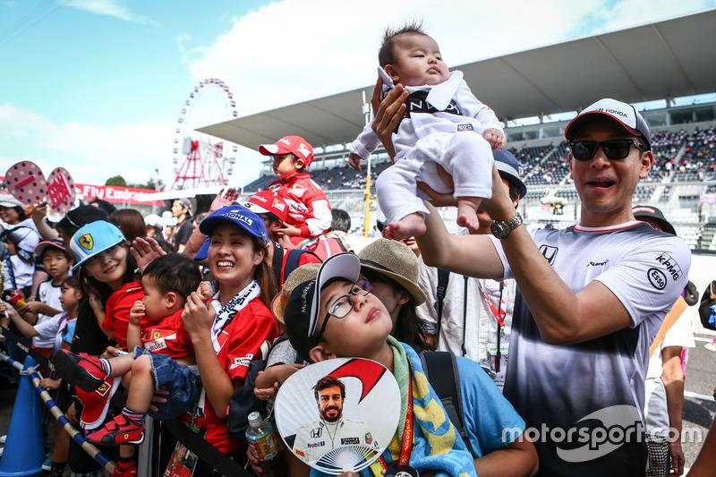5. Fernando Alonso, McLaren fans