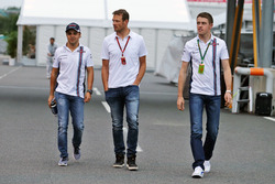 (L to R): Felipe Massa, Williams with Alex Wurz, Williams Driver Mentor / GPDA Chairman and Paul di Resta, Williams Reserve Driver