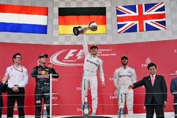 Podio: ganador, Nico Rosberg, Mercedes AMG F1, segundo, Max Verstappen, Red Bull Racing, tercero, Lewis Hamilton, Mercedes AMG F1