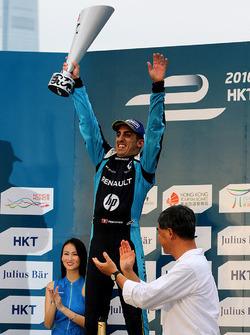 Podio: il vincitore della gara, Sébastien Buemi, Renault e.Dams