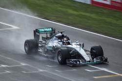 Pascal Wehrlein, Mercedes F1 W06, mit Pirelli-Reifen für 2017