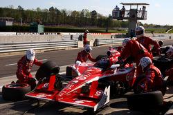 Pit stop for Scott Dixon, Target Chip Ganassi Racing