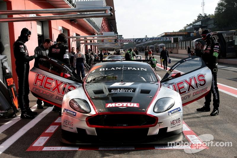 #4 Hexis AMR Aston Martin DB9: Andrea Piccini, Christian Hohenadel