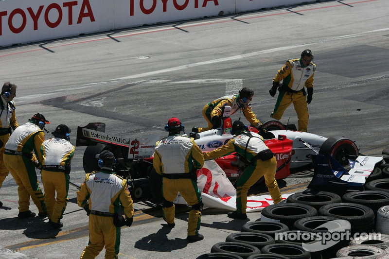 Départ: Bruno Junqueira dans les pneus
