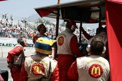 Sébastien Bourdais pit team