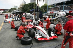 Dale Coyne Racing doing one last pit stop practice