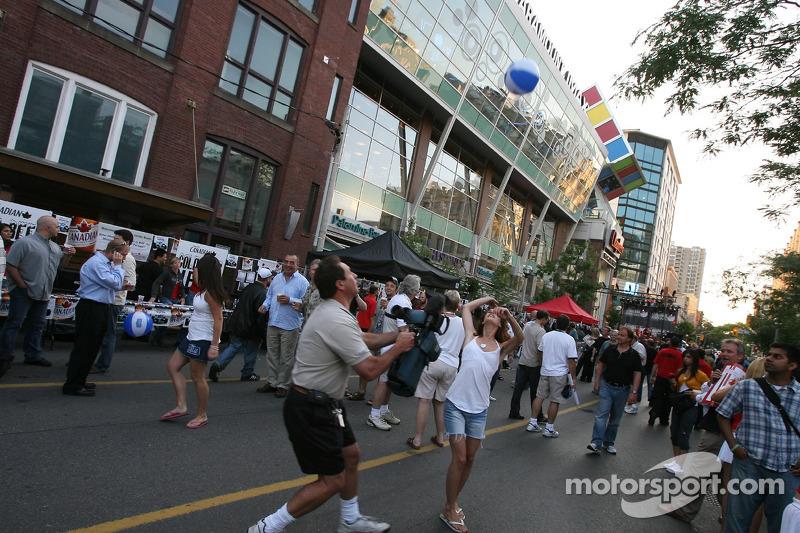 Fête John Street : ambiance sur John Street