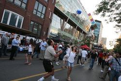 John Street party: ambiance on John Street