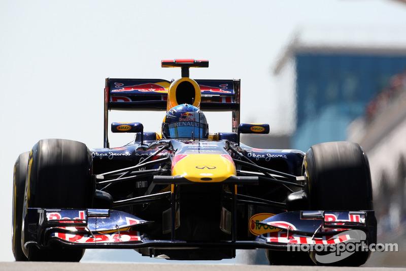 2011: Соблазнительная Кайли, Red Bull RB7