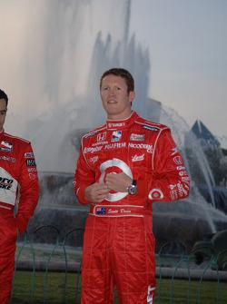 2006 IndyCar Series championship contenders photoshoot in Chicago: Scott Dixon