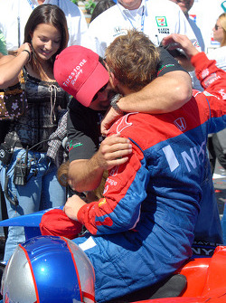 Michael Andretti greets Marco in Victory lane