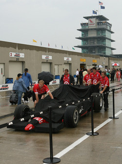 Team Chip Ganassi prepares for the race