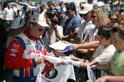 Al Unser Jr. signs autographs