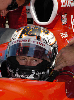 Scott Dixon strapped in