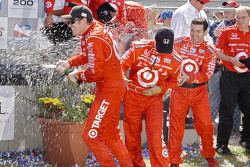 The spraying of the bubbly