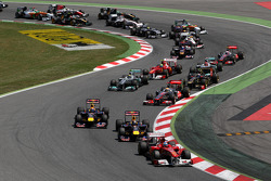 Старт: Фернандо Алонсо, Ferrari, лидирует