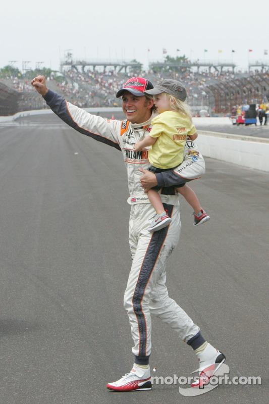2011: Dan Wheldon met zoontje Oliver